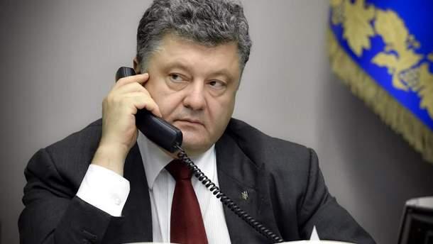Порошенко провел телефонный разговор с Путиным