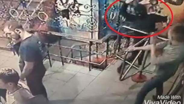 Відео вибуху гранати у нічному клубі в Сумах