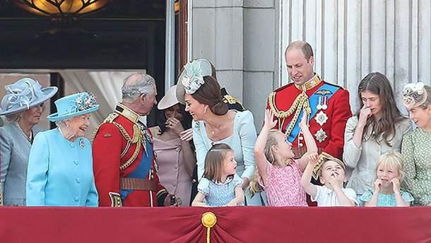 Королевская семья на параде в Лондоне