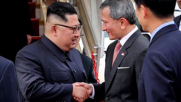 Ким Чен Ын проведет вторую ночь в Сингапуре в экскурсионной поездке по городу
