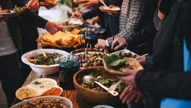 Уличной едой можно отравиться
