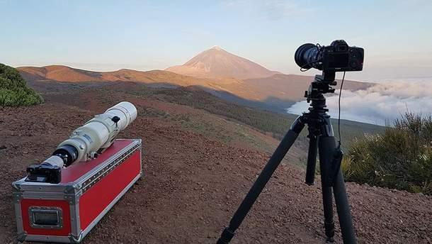 Сеть покорило необычное видео с гигантской Луной