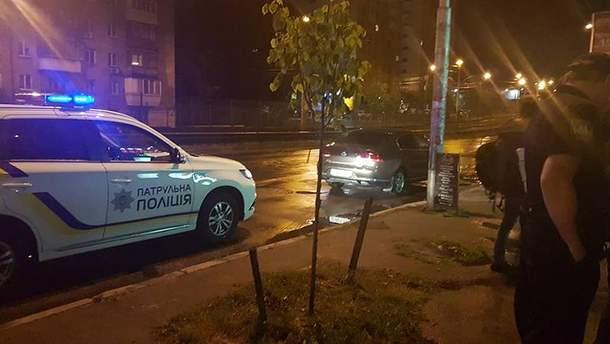 У Києві правоохоронці завадили п'яному російському консулу сісти за кермо