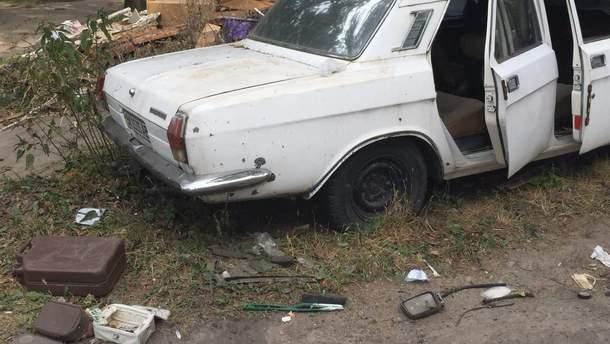 Причиной взрыва автомобиля в Киеве Аваков назвал детонацию взрывчатки