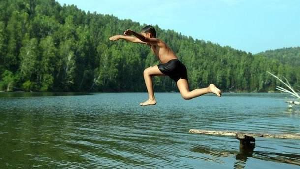 После ливней три дня нельзя купаться в озерах