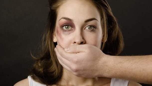 Женщина должна терпеть насилие и угождать: ответы украинских мужчин