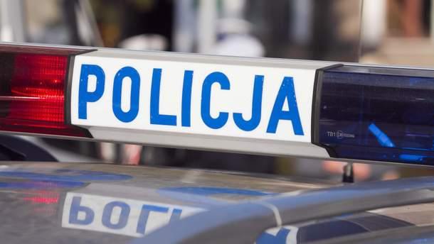 В Польше оштрафовали мужчину, который перевозил 30 пассажиров в двухместном минибусе