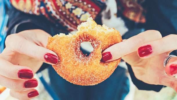 Чому ми так любимо шкідливу їжу?