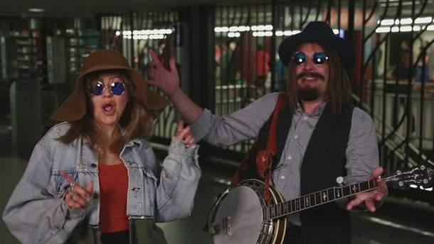 Кристина Агилера в метро Нью-Йорка