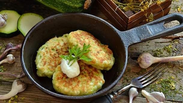 Как приготовить оладьи из кабачков: простой рецепт блюда