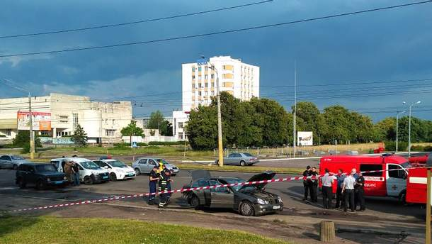 В Черкассах взорвался автомобиль: по неофициальным данным, погиб местный крупный предприниматель 69-летний Анатолий Скоромный