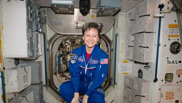 Пегги Уитсон, первая женщина-командир МКС, ушла на пенсию