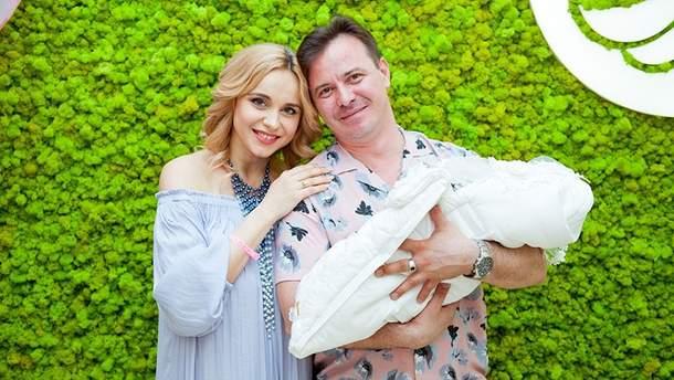 Телеведуча Лілія Ребрик похрестила новонароджену доньку: чарівні фото