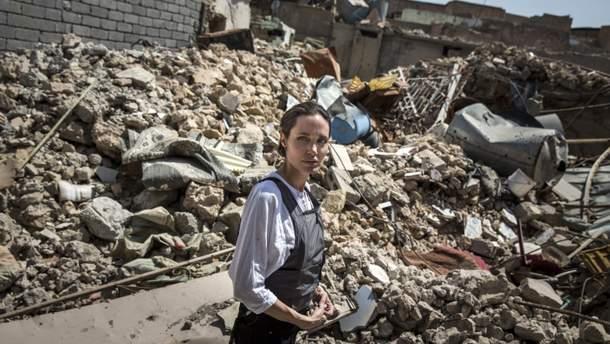 Анджеліна Джолі відвідала місто в Іраку