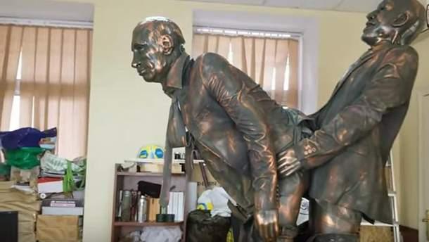 """На Марш рівності спробували провезти скульптуру """"Путіна"""" у нецензурній позі"""