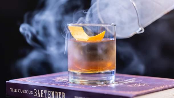 Назвали найпопулярніші алкогольні коктейлі у світі: список