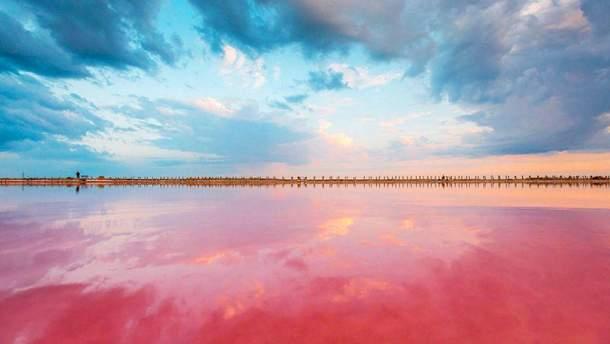 Розовое озеро в Херсонской области: лечебные свойства имеет водоем