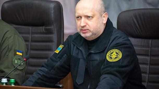 Турчинов предупредил о провокациях России на Азовском побережье