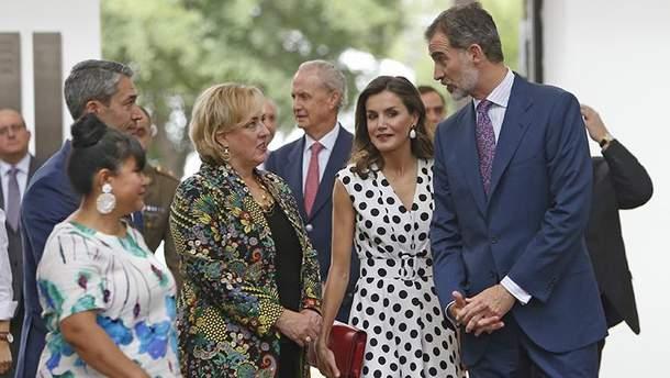 Королева Летиція приголомшила елегантним образом на офіційному заході