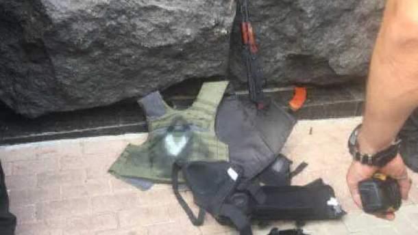 Зброя під Кабміном