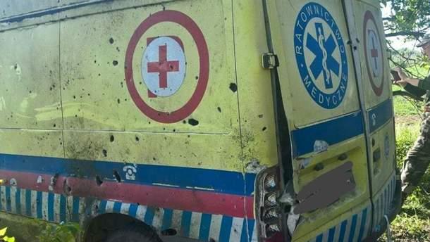 Обстрелянное авто санитаров 93 бригады