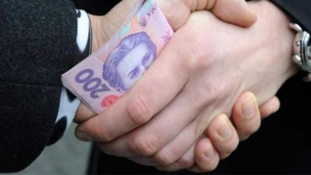 Чиновницу в Черкасской области задержали за взятку