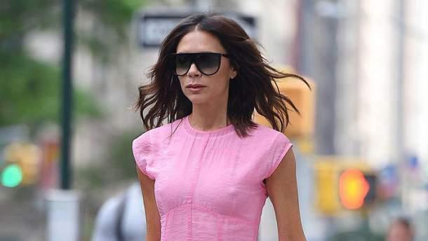 Виктория Бекхэм надела летнее платье без нижнего белья
