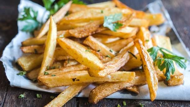 Порция картошки-фри содержит 7 грамм транс-жиров