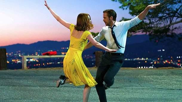 Танцы из 300 фильмов собрали в одном ролике