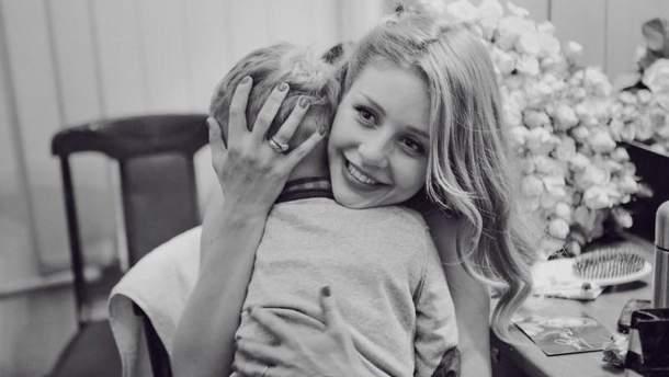 Тина Кароль с сыном Вениамином (архивное фото)