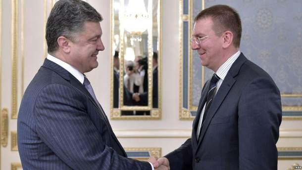 Петро Порошенко обговорив ситуації на Донбасі з міністром закордонних справ Латвії