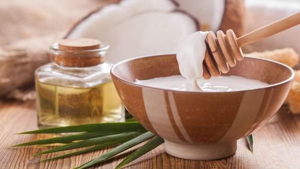 Яка олія корисніша – кокосова чи лляна: відповідь дієтолога