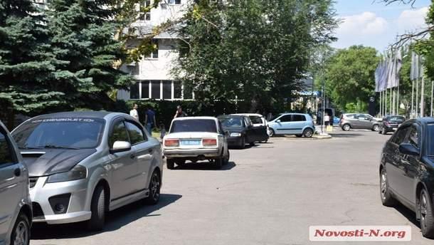 В Николаеве водители устроили стрельбу из-за места на парковке
