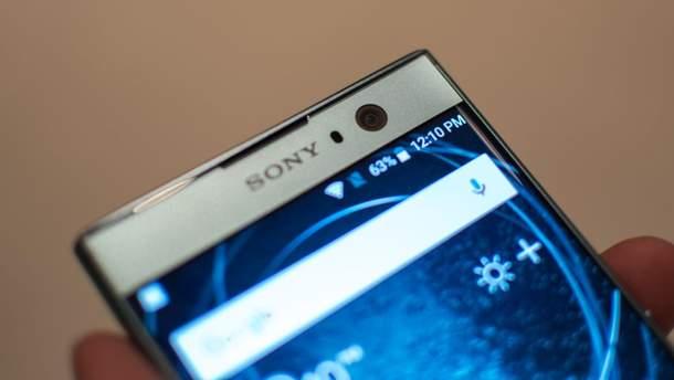 На дисплеях Sony Xperia XZ1 та XZ2 з'являються лінії