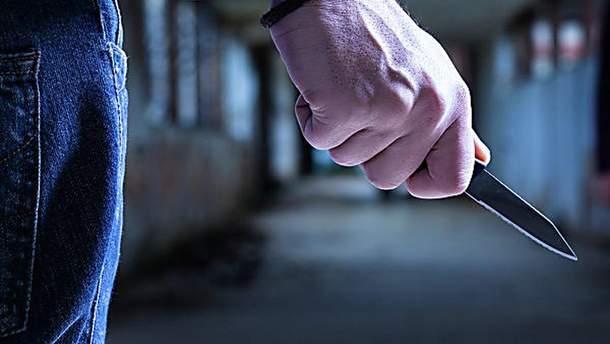 У Києві троє осіб вкрали телефон у знайомого і вбили його