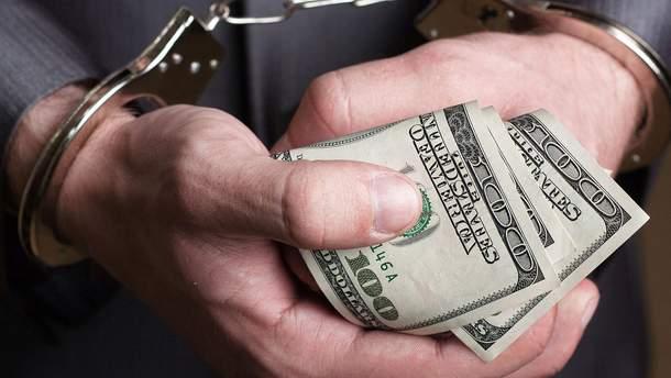 В Одесской области полицейский требовал от наркозависимого три тысячи долларов