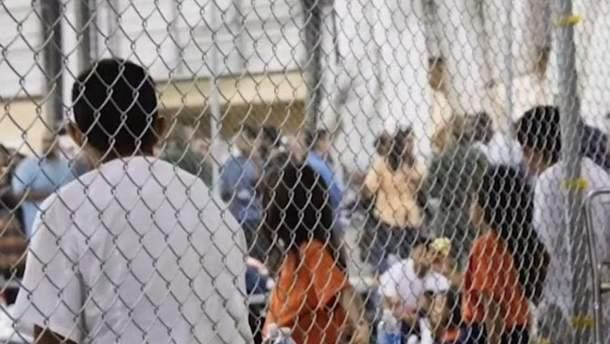 У США хочуть розмістити 20 тисяч дітей-мігрантів на військових базах