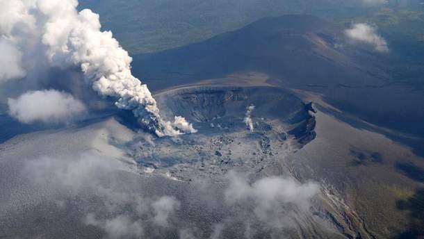 У Японії почалося виверження вулкану Сіммое