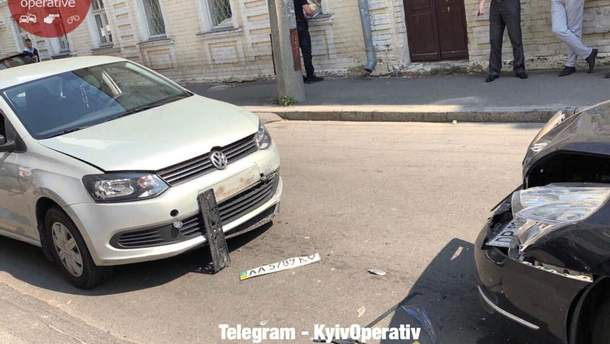 Авто консульства Ірану потрапило в ДТП у Києві
