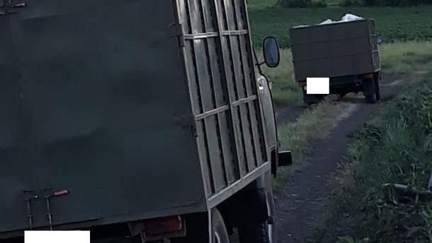 На кордоні спіймали українців, які хотіли перевезти до Росії автозапчастини та багато яєць