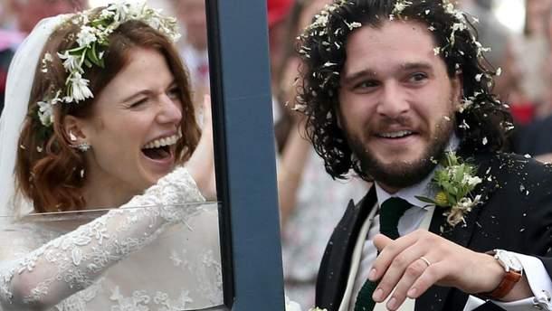 Кіт Харінгтон і Леслі Роус одружилися