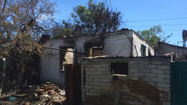 Бойовики ведуть обстріл населеного пункту та випалюють цілі вулиці