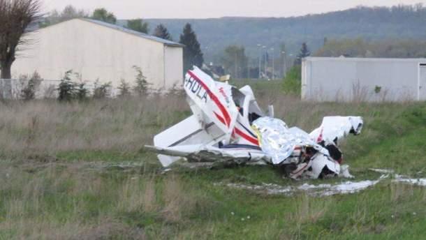 В Гвинее упал самолет