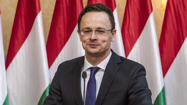 Сійярто назвав чутки про вплив Росії на політику Угорщини в мовному питанні брехнею