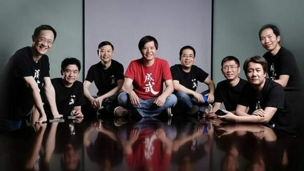 Какими смартфонами пользуются руководители Xiaomi