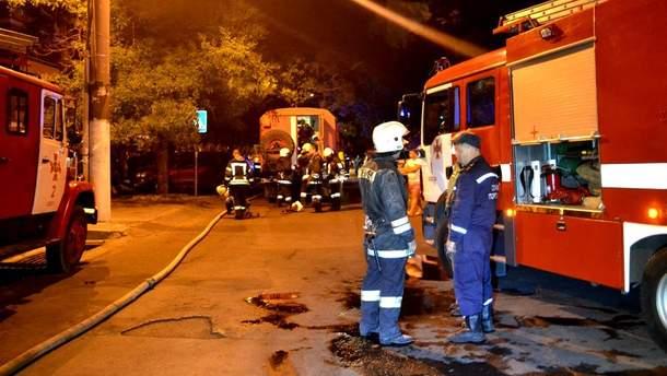 В Одессе загорелся шестнадцатиэтажный дом