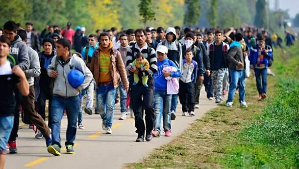 Як змінюється міграційна політика у ЄС та США та куди тепер тікатимуть біженці