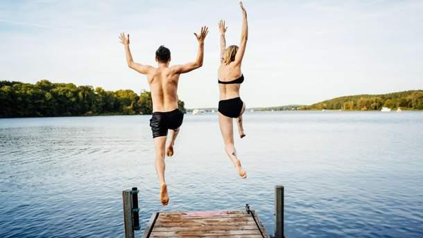 Медики не советуют резко заходить в воду в жару
