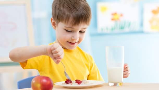 Чим годувати дитину у спеку