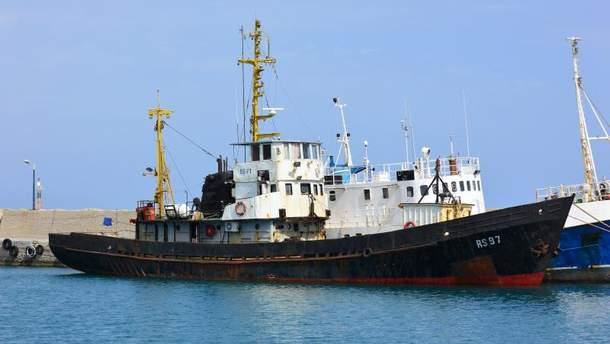 В Украину вернулись 6 моряков с судна RS 300-97, которое было задержано в Греции